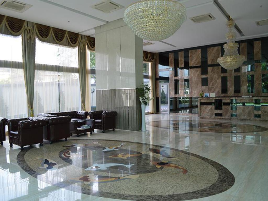 Lobby Cosy Beach View Condominium by 415