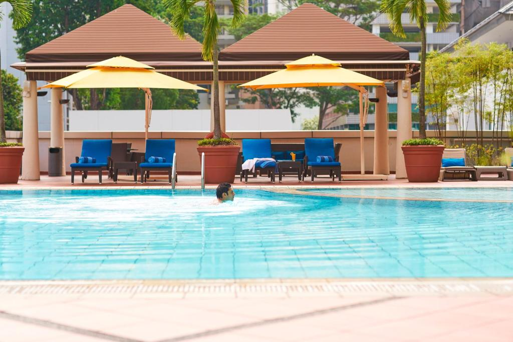Best price on pan pacific orchard hotel singapore in - Pan pacific orchard swimming pool ...