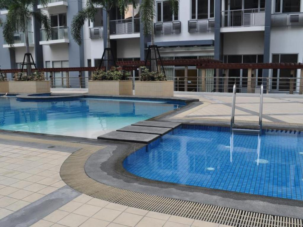 Swimming pool My Condo by Malou