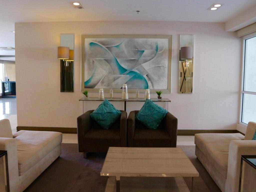 Lobby Staycation at Sea Residences Moa by CondoDeal