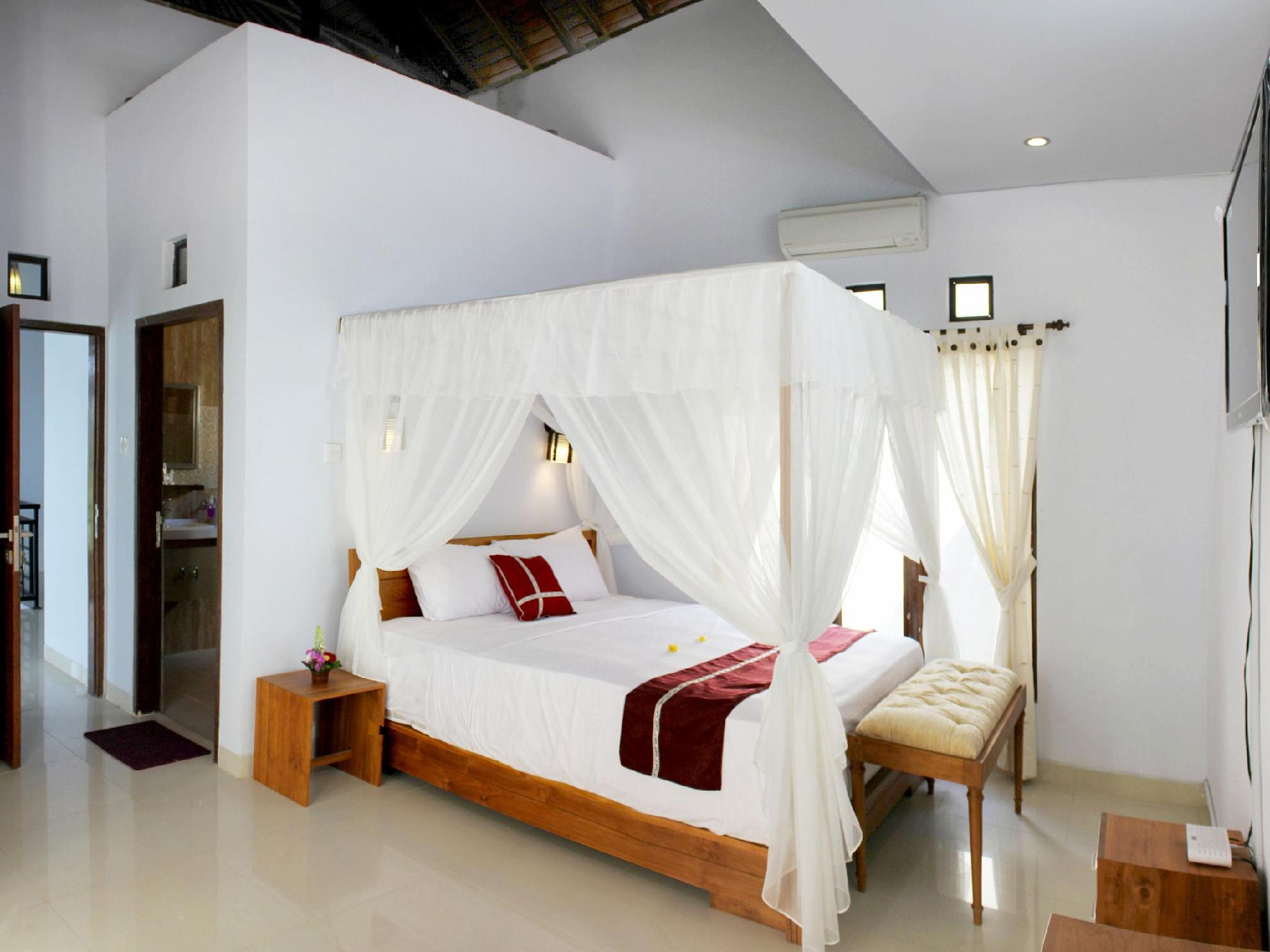 Kamar Superior dengan Balkon (Superior Room with Balcony)