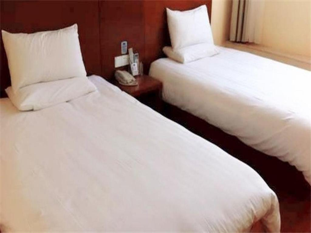 Twin Room - Chinese Residents Only - Guestroom Hanting Hotel Shanghai East China Normal University Branch