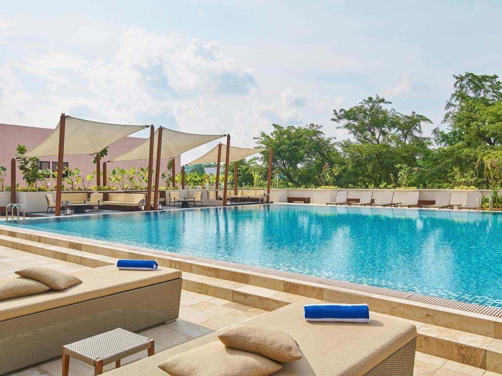 Piscina Orchard Parade Hotel by Far East Hospitality