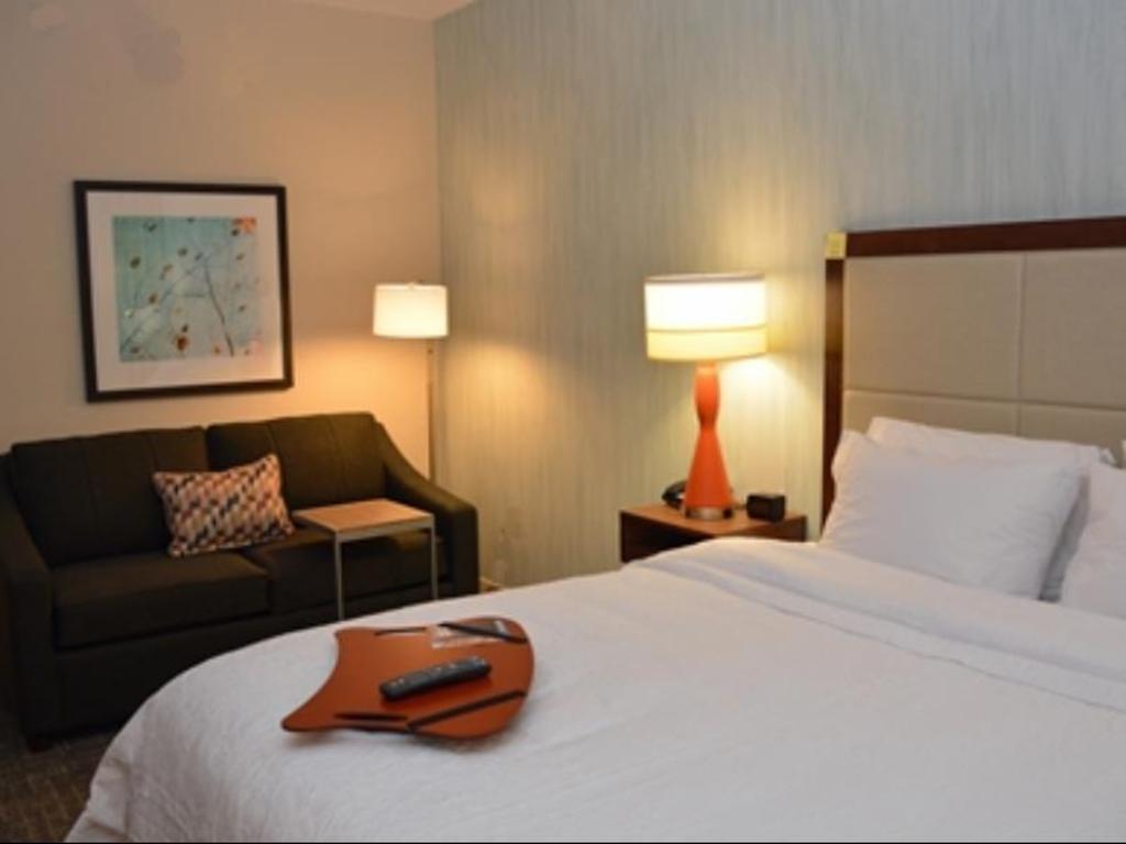 Hampton Inn Albany-Western Ave University Area in Albany (NY) - Room ...