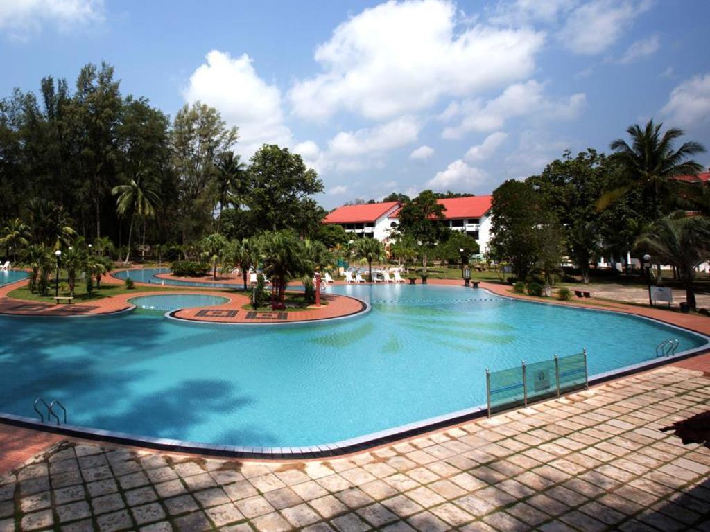 Best Price On De Rhu Beach Resort In Kuantan Reviews