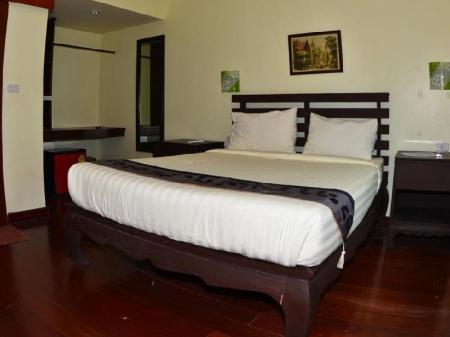 Deluxe Double Bed Lanta Harmony Houses