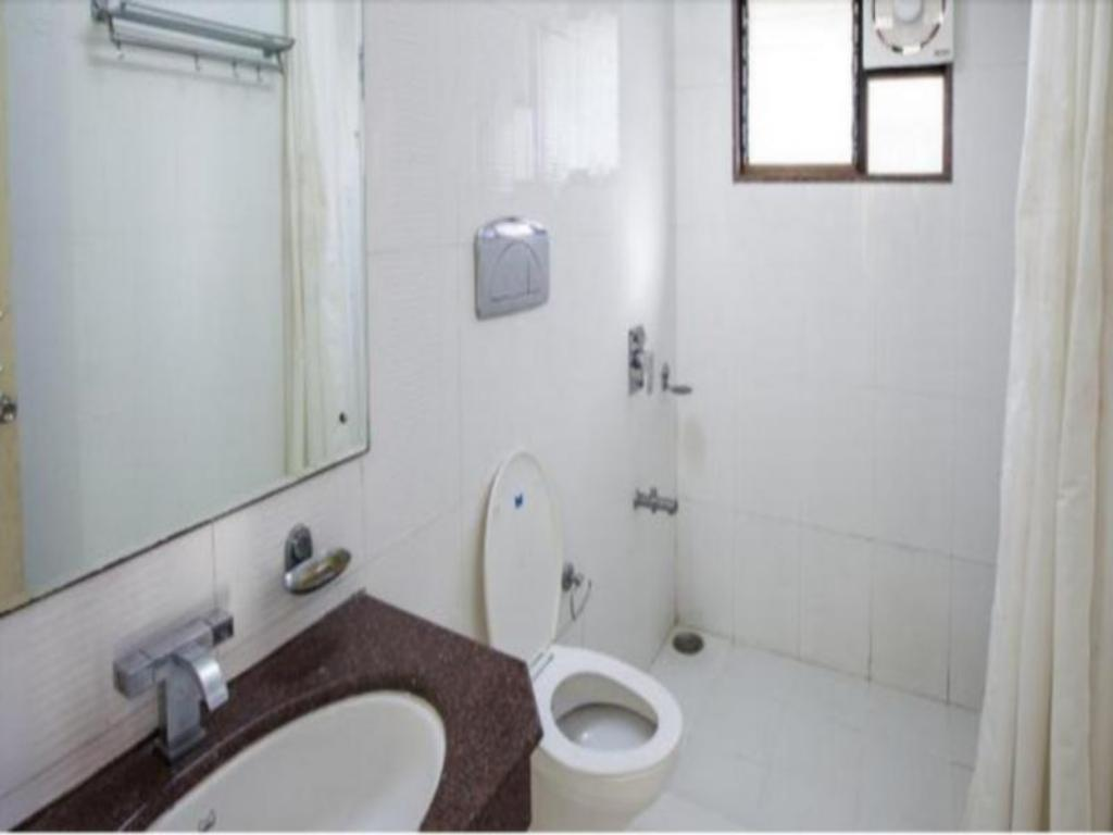 Bathroom Aidana Home Stay