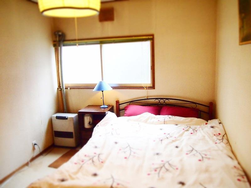 Kamar Double dengan Kamar Mandi Bersama (Double Room with shared bathroom room)