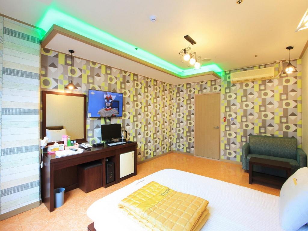 Book Marina Motel Nampodong in Busan, South Korea - 2019 Promos