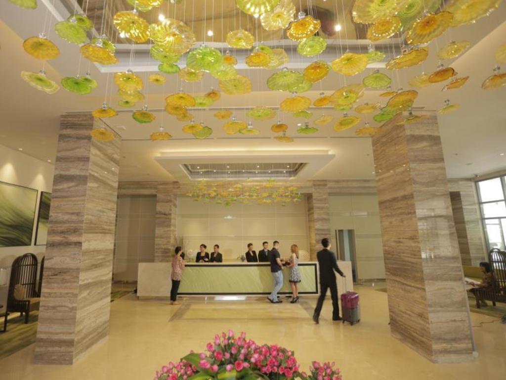 Lobby Belmont Hotel Manila