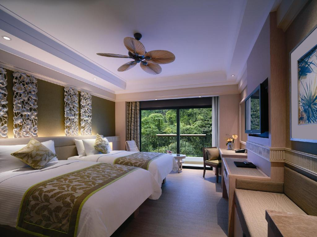 Superior Hill View Room with King Bed Shangri-La's Rasa Sentosa Resort & Spa