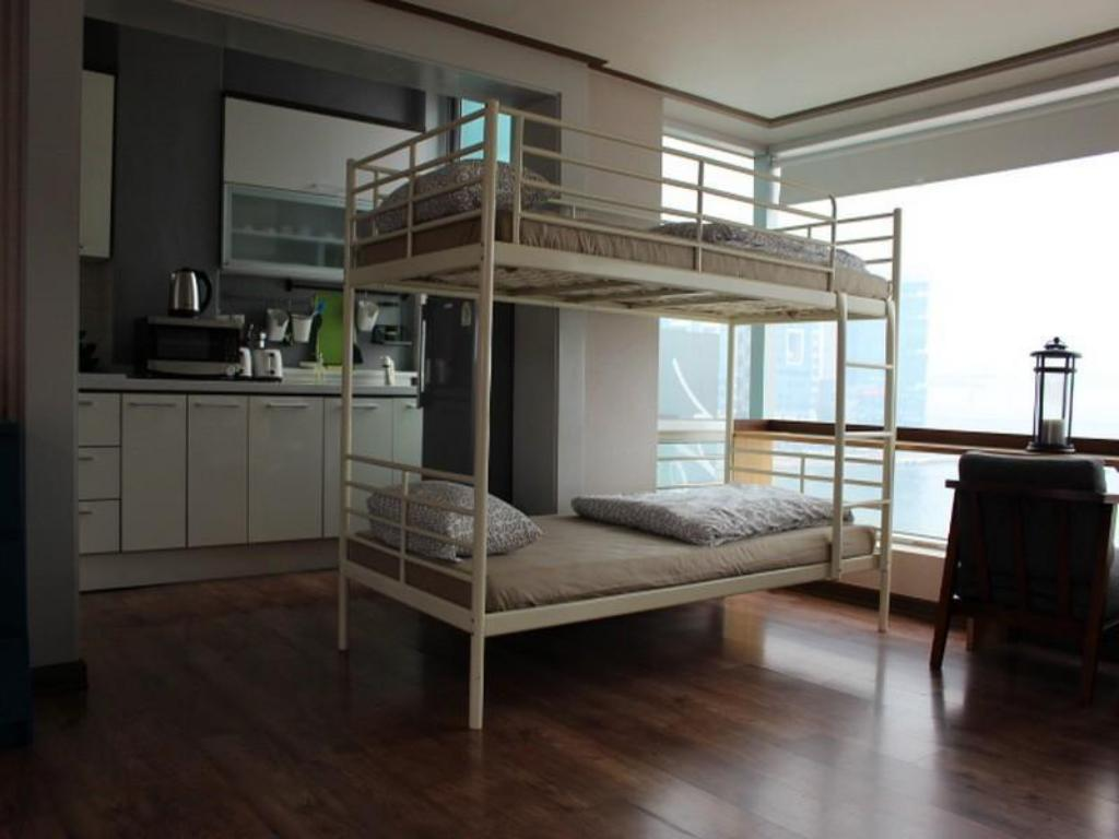 6-Bed Dormitory -- Female Only - Guestroom Beach Busking Guesthouse