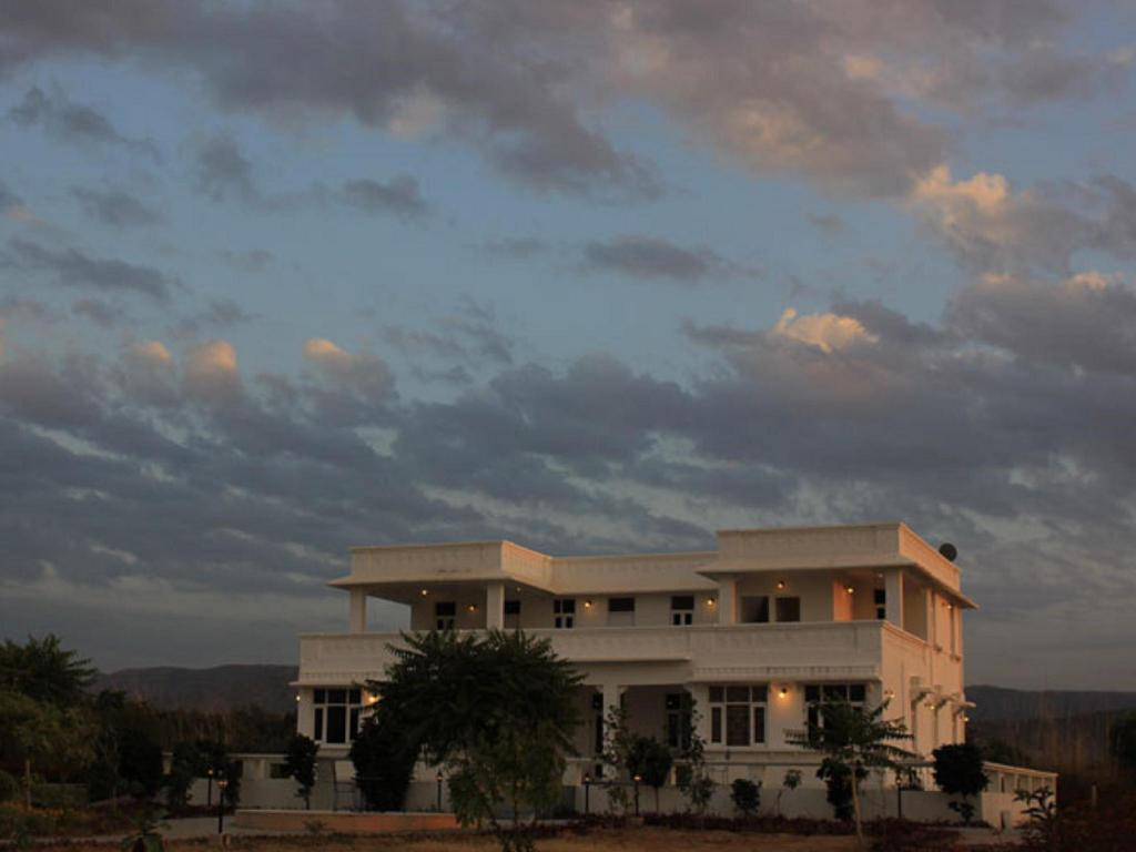 More about Hotel Nimaj Kothi