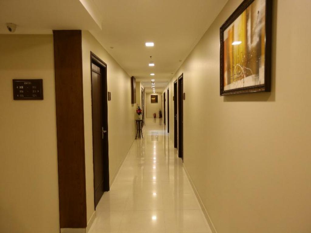 Interior view Hotel Rainbow Ghaziabad
