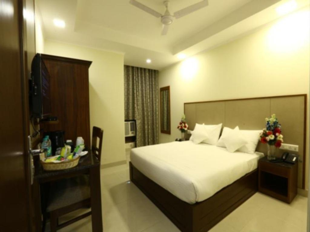 See all 10 photos Hotel Rainbow Ghaziabad