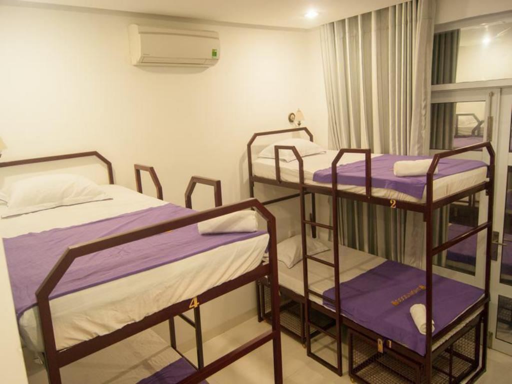 1 Person in 6-Bed Dormitory with Private Bathroom - Mixed Backpack Hostel