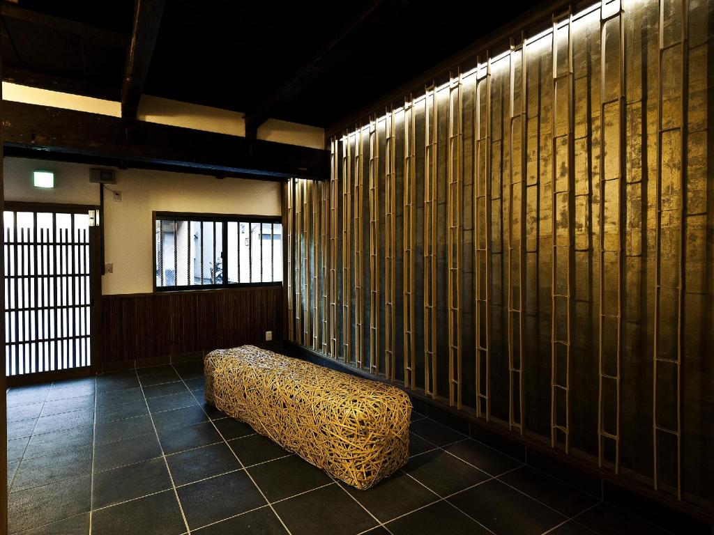 Lobby (Legal)Very close to downtown  Bamboo Shiratake-an