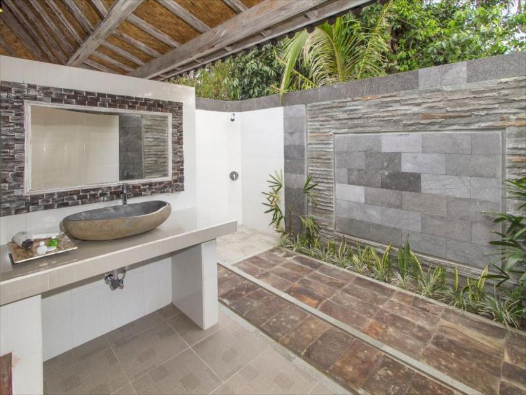 Μπάνιο The Palm Grove Villas Lembongan