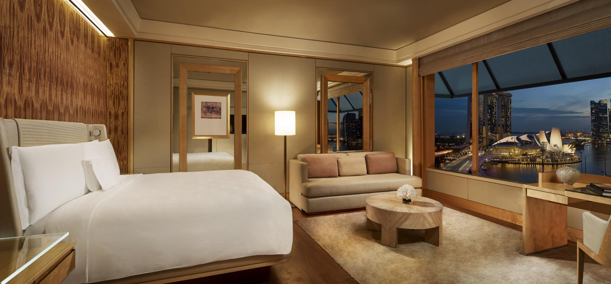 Deluxe Marina Room, Guest room, Marina Bay view