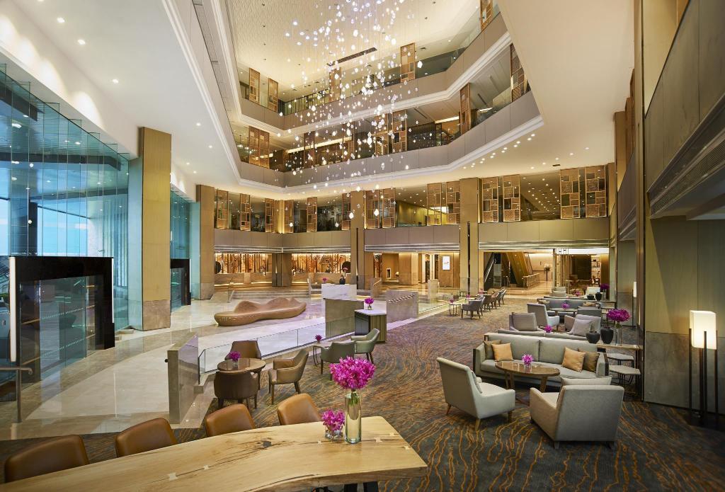 Holiday Inn Bangkok Silom Hotel by IHG