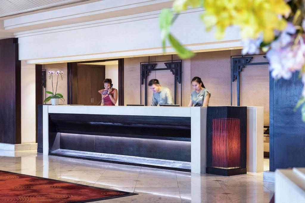 Best Price on Anantara Riverside Bangkok Resort in Bangkok