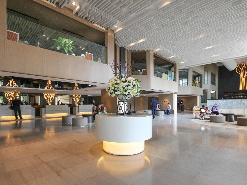 Interior view Grand Mercure Bangkok Fortune