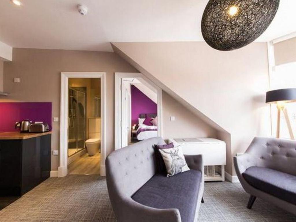 The Spires Edinburgh Entire apartment - Deals, Photos ...