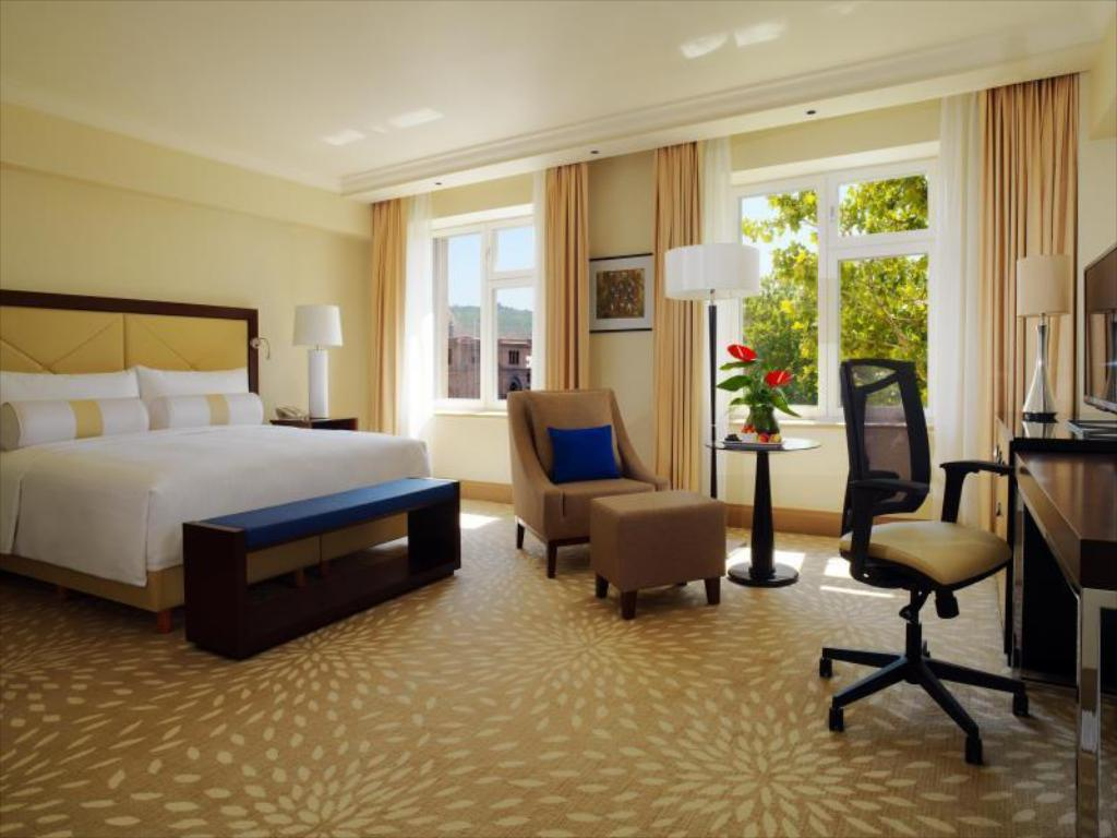 Superior Deluxe, Guest room, 1 King or 2 Double - Гостевой номер Armenia Marriott Hotel Yerevan