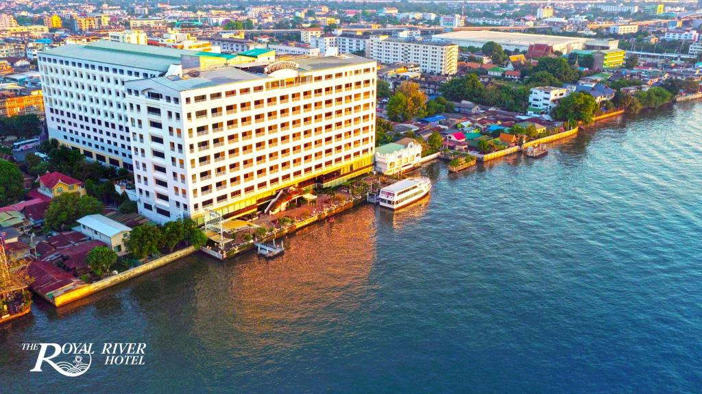 The Royal River Hotel in Bangkok - Room Deals, Photos