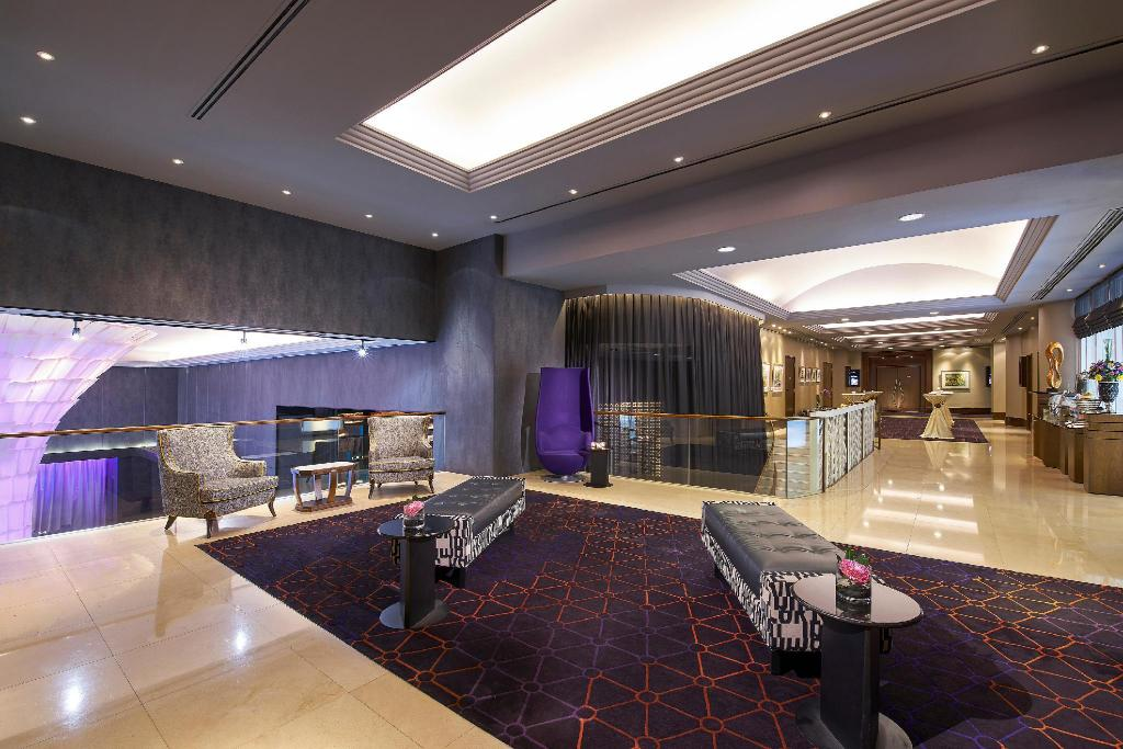 Interior view Rendezvous Hotel Singapore by Far East Hospitality (SG Clean Certified)