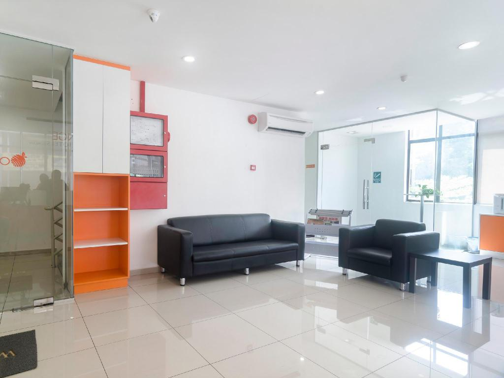 Lobi Orange Hotel Sungai Buloh