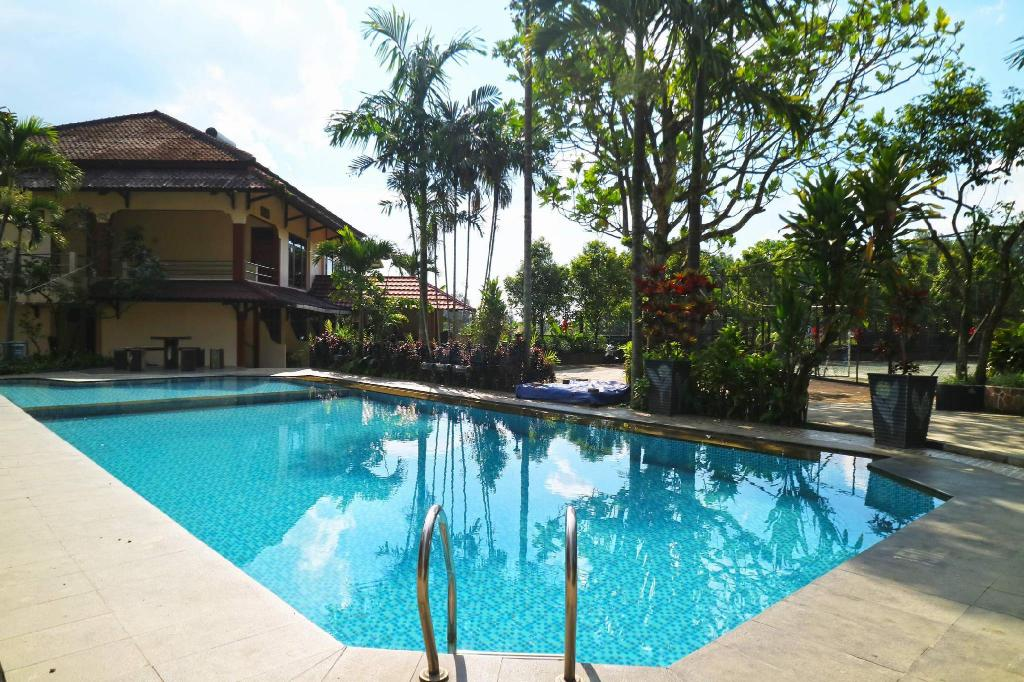 Swimming pool [outdoor] Aries Biru Resort
