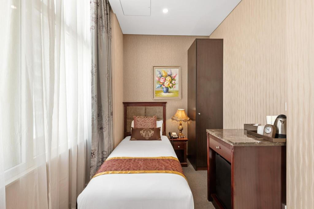 Single Standard Room - Room plan Sydney Hotel CBD