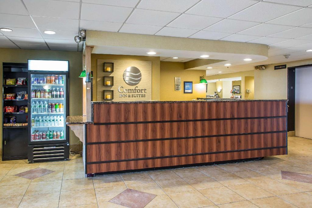 Lobby Comfort Inn and Suites
