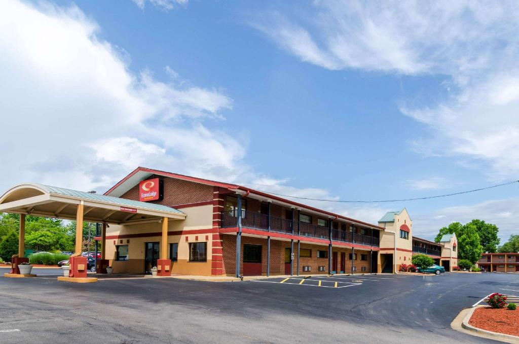 Econo Lodge Inn and Suites I-35 at Shawnee Mission (Econo Lodge  Inn and Suites I-35 at Shawnee Mission)