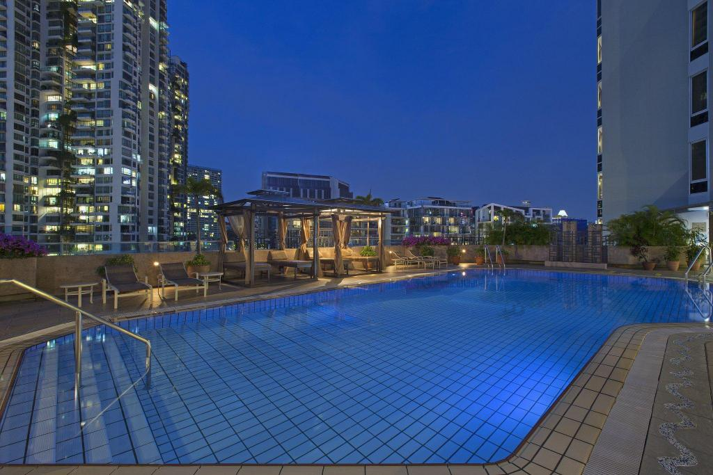 Swimming pool [outdoor] Four Points by Sheraton Singapore, Riverview