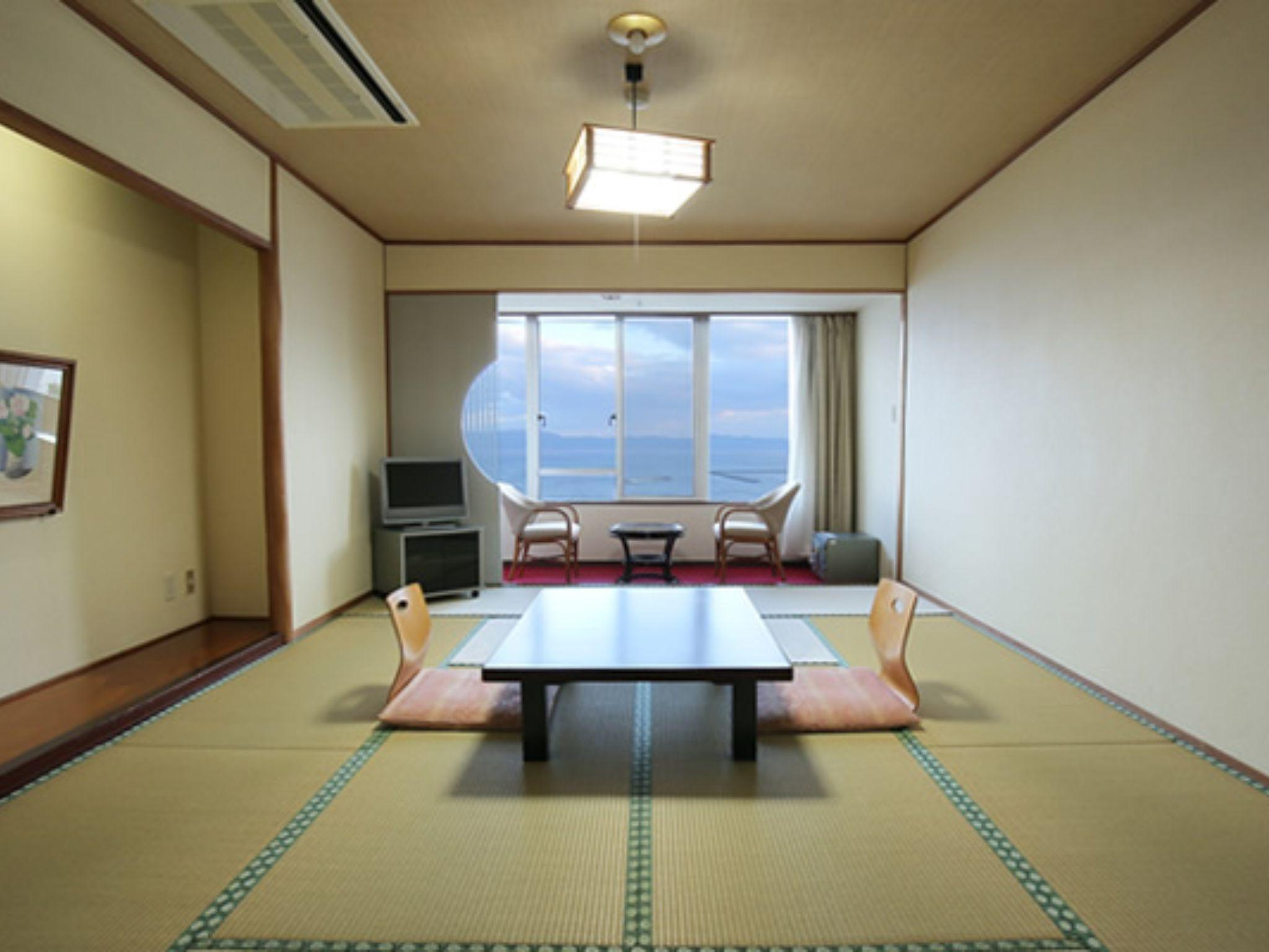 Deluxe Δωμάτιο Ιαπωνικού Στυλ για 4 Άτομα (Deluxe Japanese Style Room for 4 People)