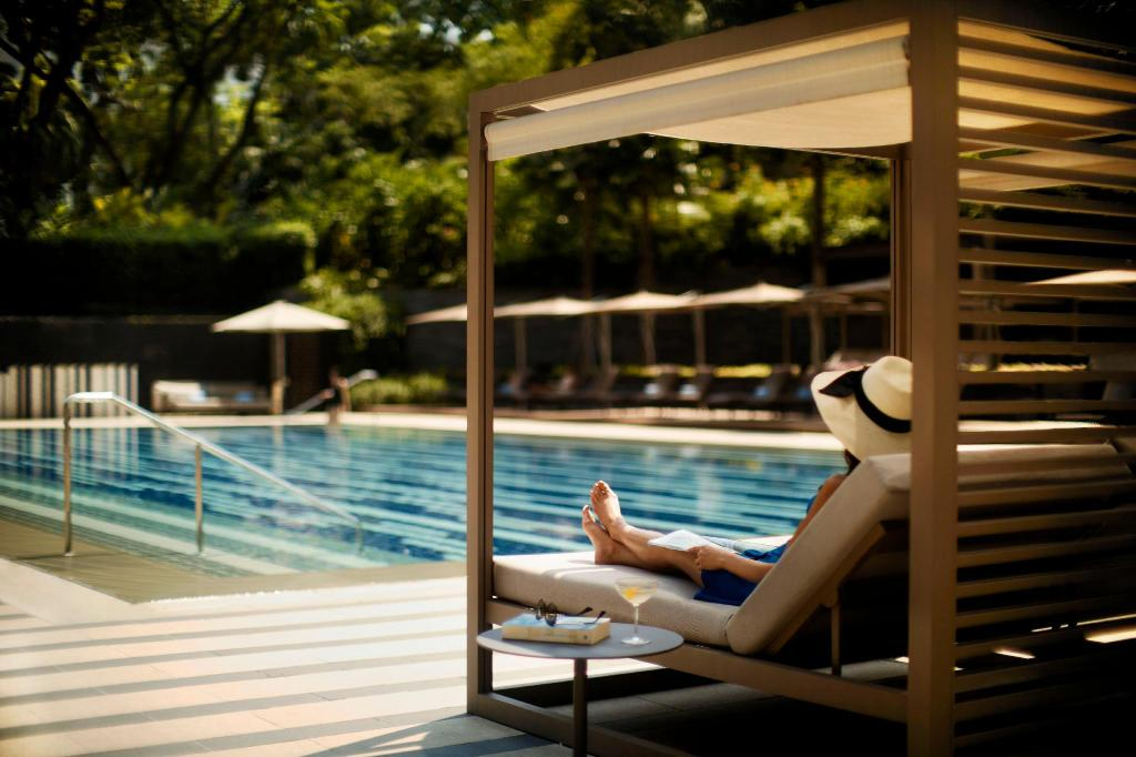 piscina al aire libre The Ritz-Carlton, Millenia Singapore