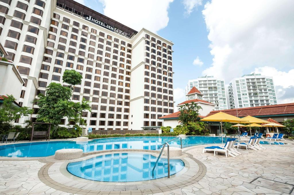 Swimming pool [outdoor] Hotel Jen Tanglin Singapore by Shangri-La
