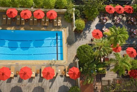 Swimming pool [outdoor] Boulevard Hotel Bangkok Sukhumvit