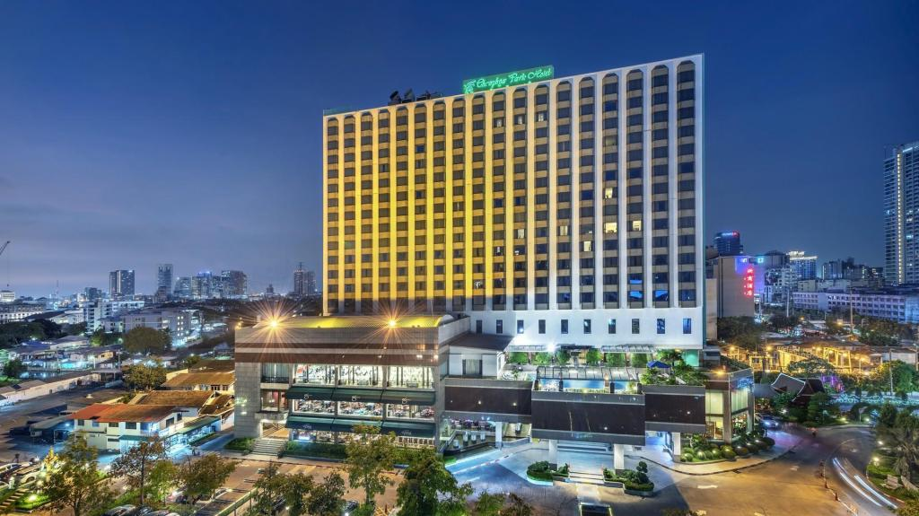 More about Chaophya Park Hotel