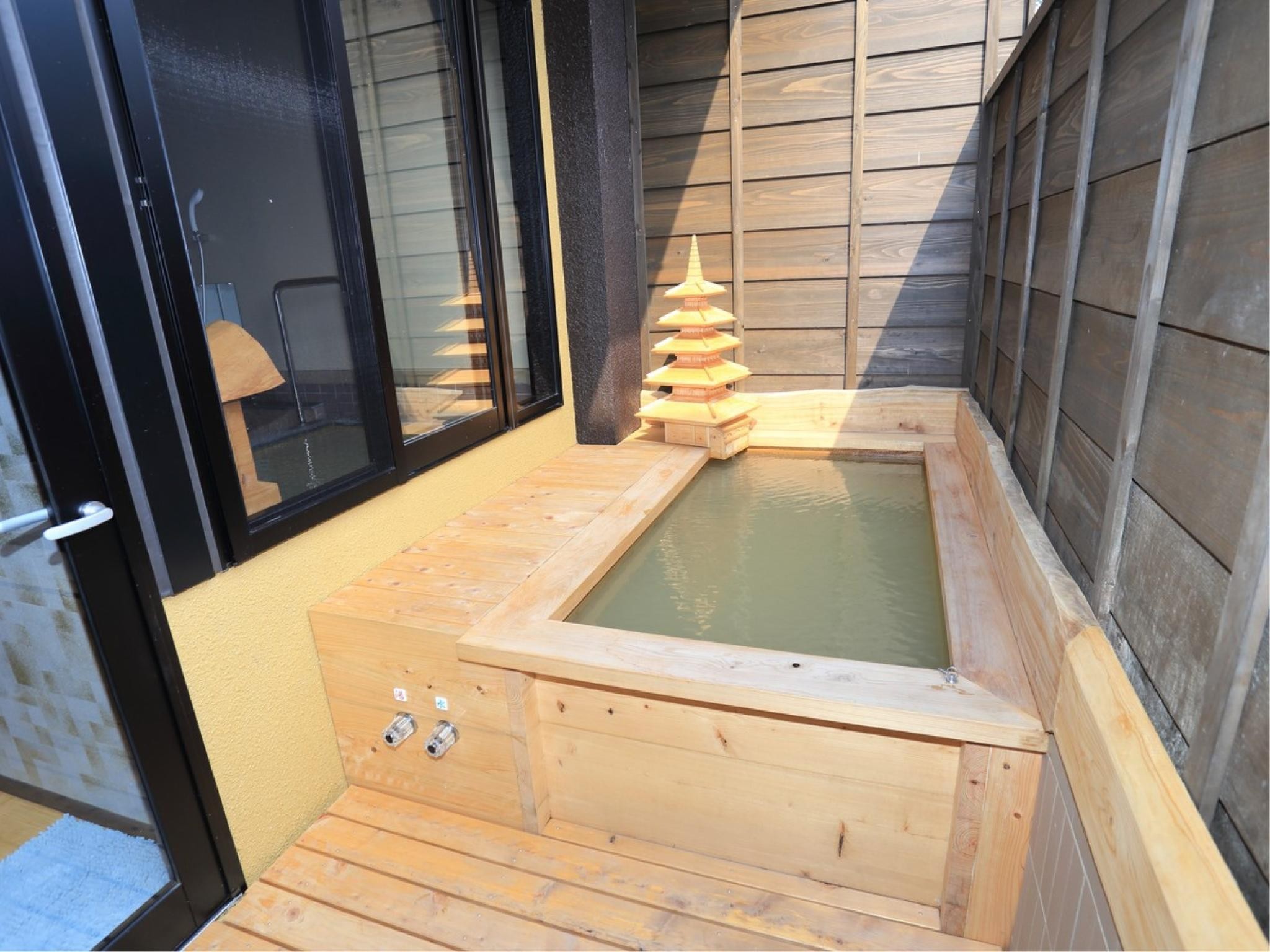 ■115・201-203■源泉掛け流し温泉・内風呂&露天風呂|32.8平米 (Twin Room with Indoor Hot Spring Bath + Open-air Bath (No. 115, 201-203))