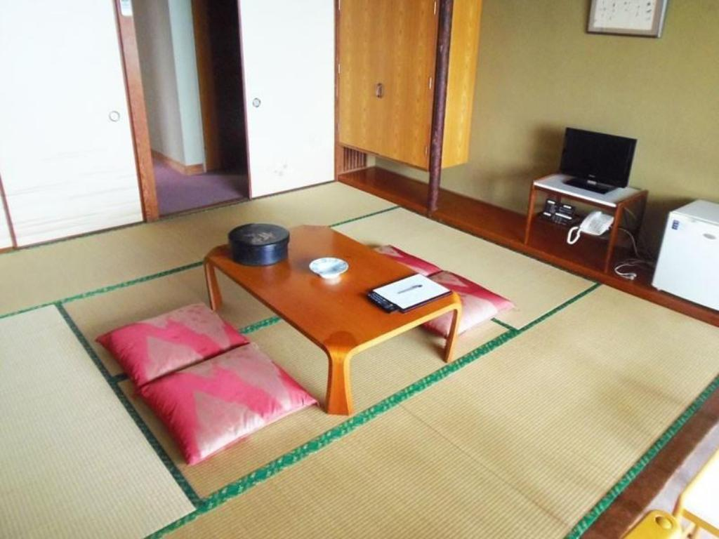 Japanese-style Room *Has toilet, no bath in room - ห้องพัก Seaside Garden Sanosa