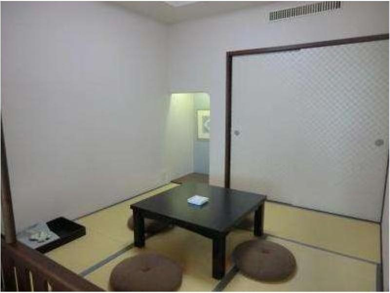 Japanese/Western-style Room (with Beds)