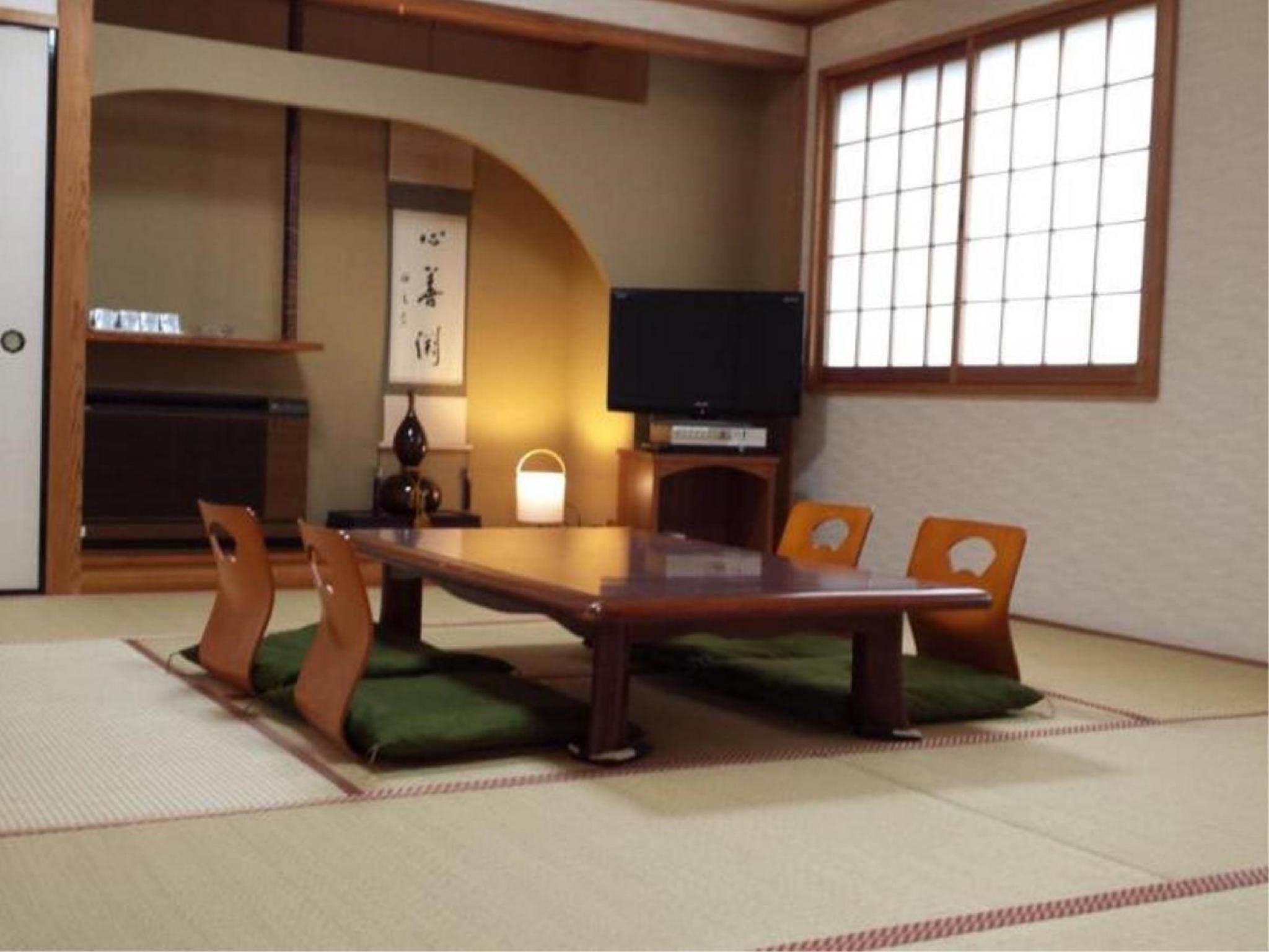 다다미 객실(본관/특별실) (Special Japanese-style Room (Main Building))