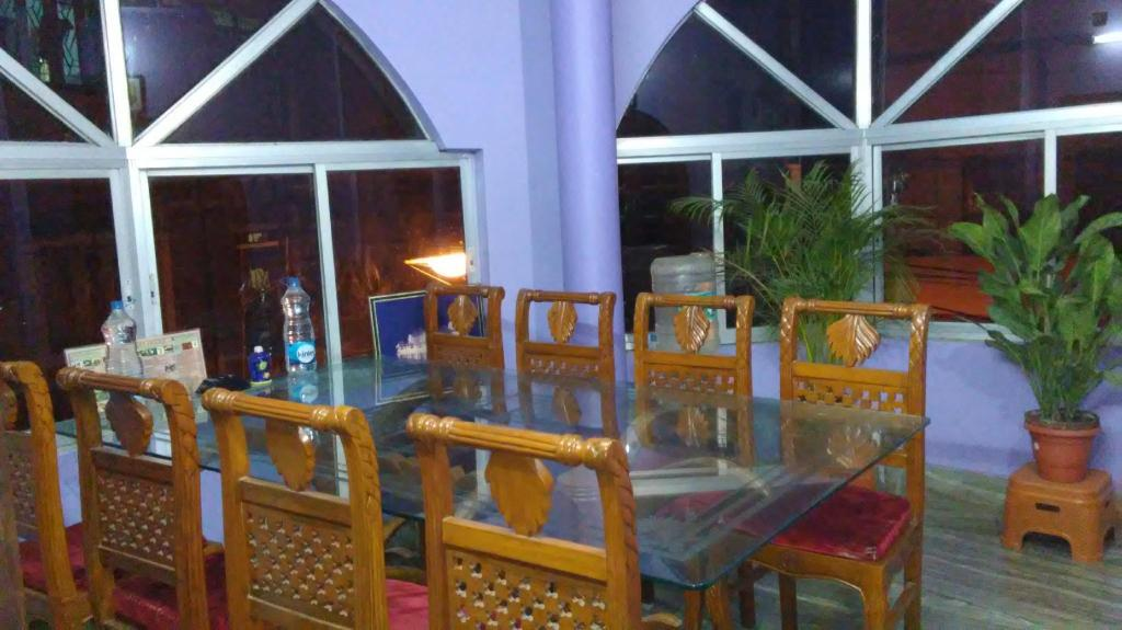 Lobby Royal Guest House & Service Apartment