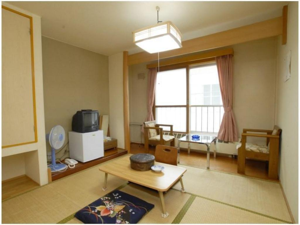 Japanese-style Room *No bath or toilet in room - Guestroom