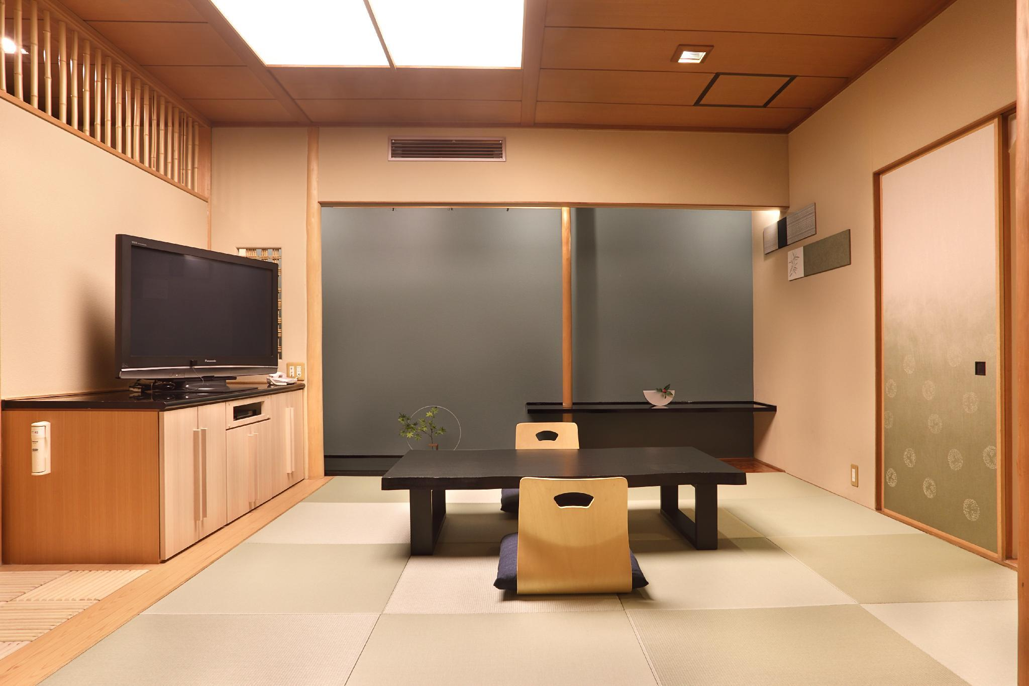 Premium King Room for 3 People with Tatami Area and Open-Air Bathtub