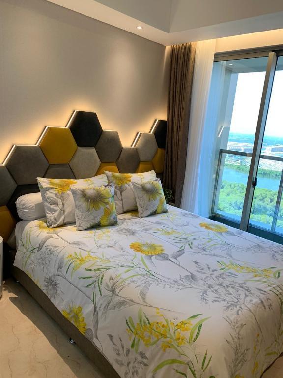 Gold Coast PIK Bahama Sea View Apartments Serviced ...
