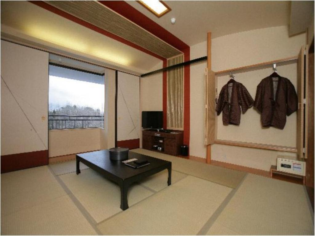 Japanese-style Room (Panoramic Mountain View) - Guestroom